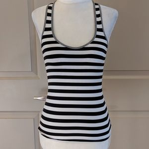 Black and white workout tank - CA016